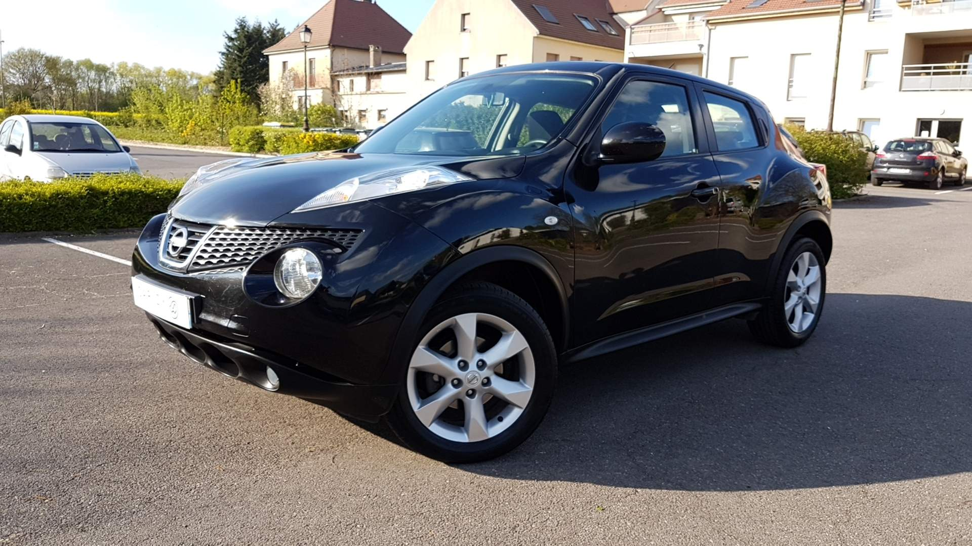 voiture nissan juke 1 5 dci 110 acenta 2wd occasion diesel 2012 78700 km 10100 paris. Black Bedroom Furniture Sets. Home Design Ideas