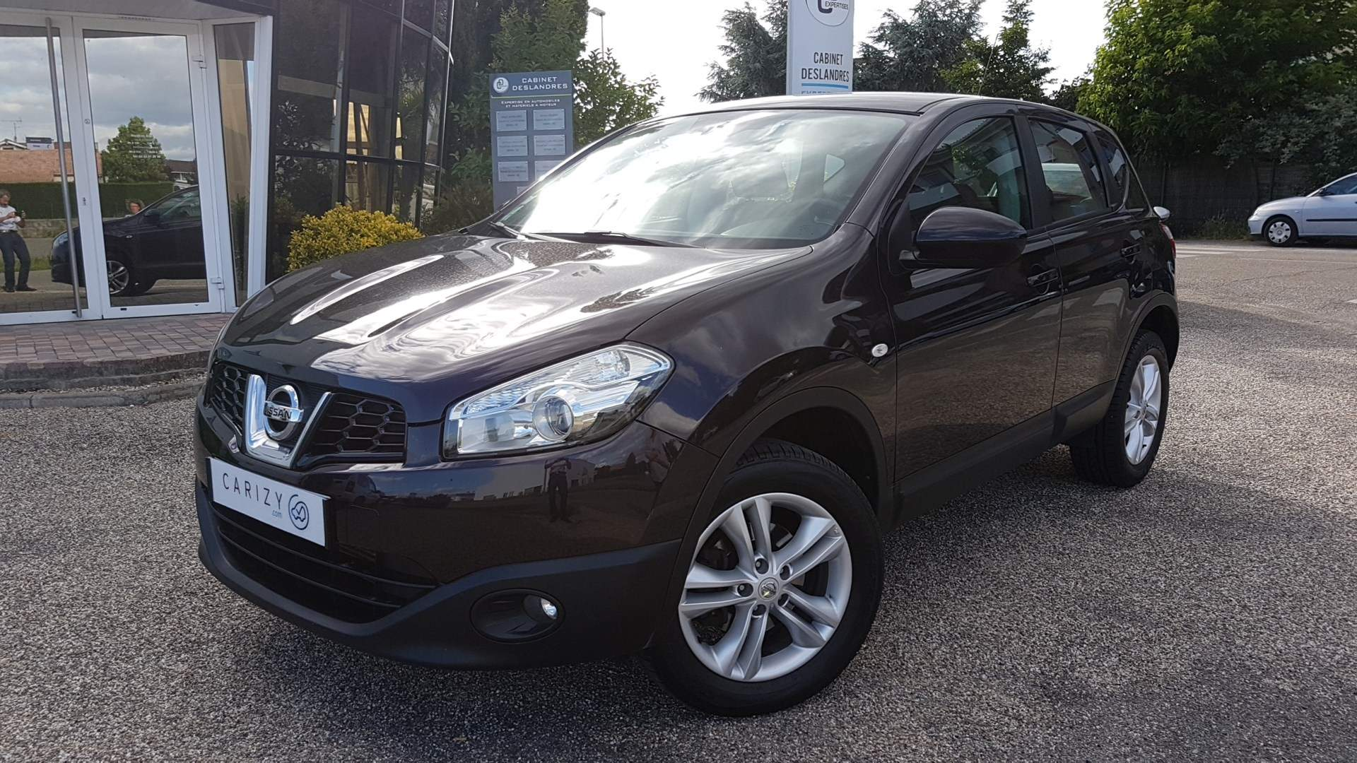 voiture nissan qashqai 1 5 dci 105 acenta 2wd occasion diesel 2011 131000 km 9900. Black Bedroom Furniture Sets. Home Design Ideas