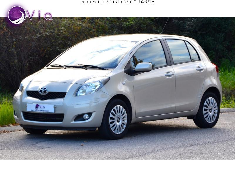 voiture toyota yaris occasion essence 2010 15990 km 8490 mougins alpes maritimes. Black Bedroom Furniture Sets. Home Design Ideas
