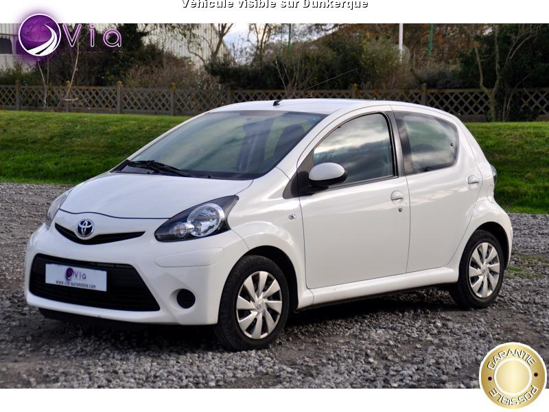 voiture toyota aygo occasion 2013 33000 km 6490 dunkerque nord 992734803712. Black Bedroom Furniture Sets. Home Design Ideas
