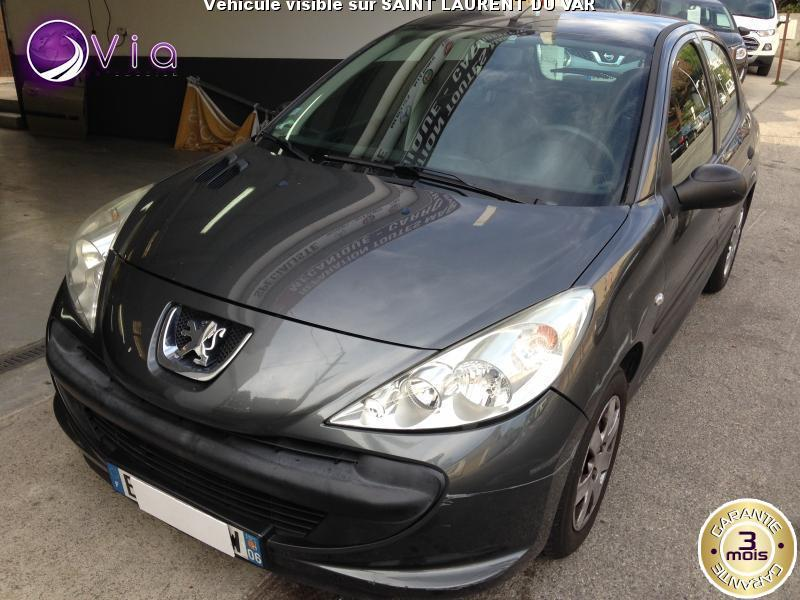 voiture peugeot 206 berline access occasion essence 2011 94600 km 5490 nice. Black Bedroom Furniture Sets. Home Design Ideas