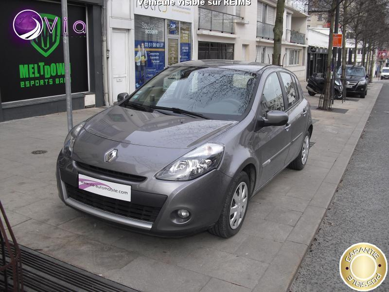 voiture renault clio occasion diesel 2012 83754 km 6990 reims marne 992736515522. Black Bedroom Furniture Sets. Home Design Ideas