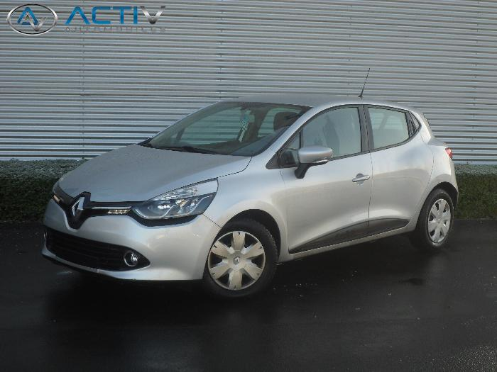voiture renault clio 4 1 5 dci fap 90 expression occasion diesel 2013 51536 km 10540. Black Bedroom Furniture Sets. Home Design Ideas