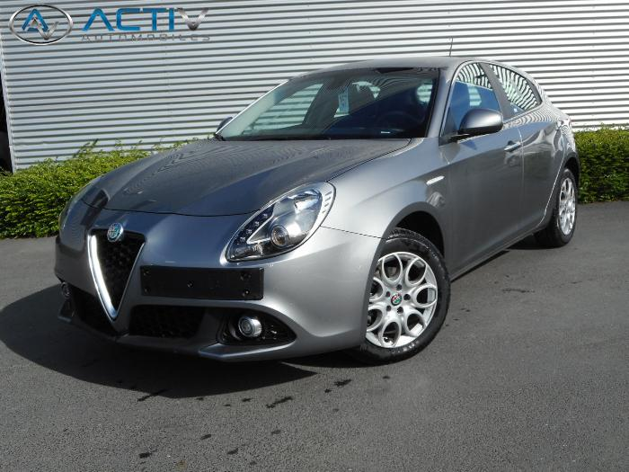 voiture alfa romeo giulietta 1 6 jtdm 120 super occasion diesel 2016 5852 km 17680. Black Bedroom Furniture Sets. Home Design Ideas