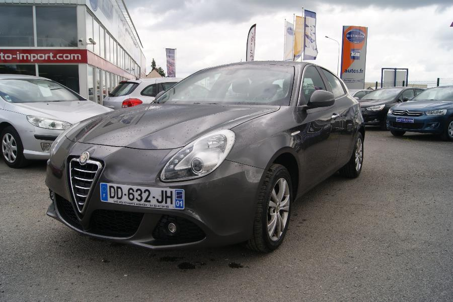 voiture alfa romeo giulietta occasion diesel 2012 71000 km 13990 aubigny sur n re. Black Bedroom Furniture Sets. Home Design Ideas