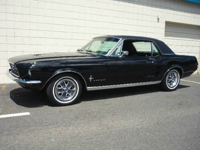 voiture ford mustang occasion essence 1967 500 km. Black Bedroom Furniture Sets. Home Design Ideas