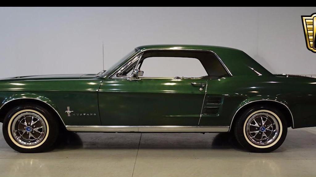 voiture ford mustang 1967 occasion essence 1967 27753 km 38200 vincennes val de. Black Bedroom Furniture Sets. Home Design Ideas