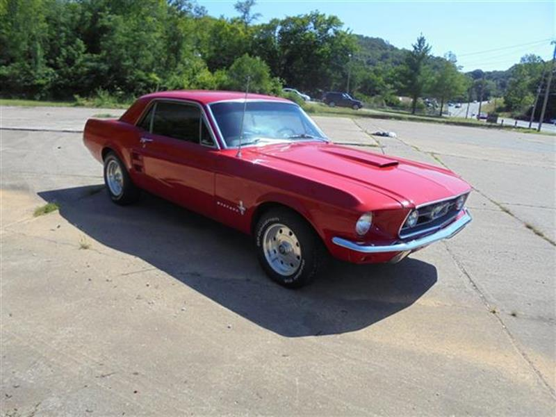 voiture ford mustang 1967 occasion essence 1967 44885 km 23400 vincennes val de. Black Bedroom Furniture Sets. Home Design Ideas